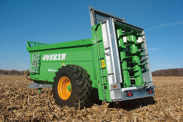 Shipping Manure Spreaders